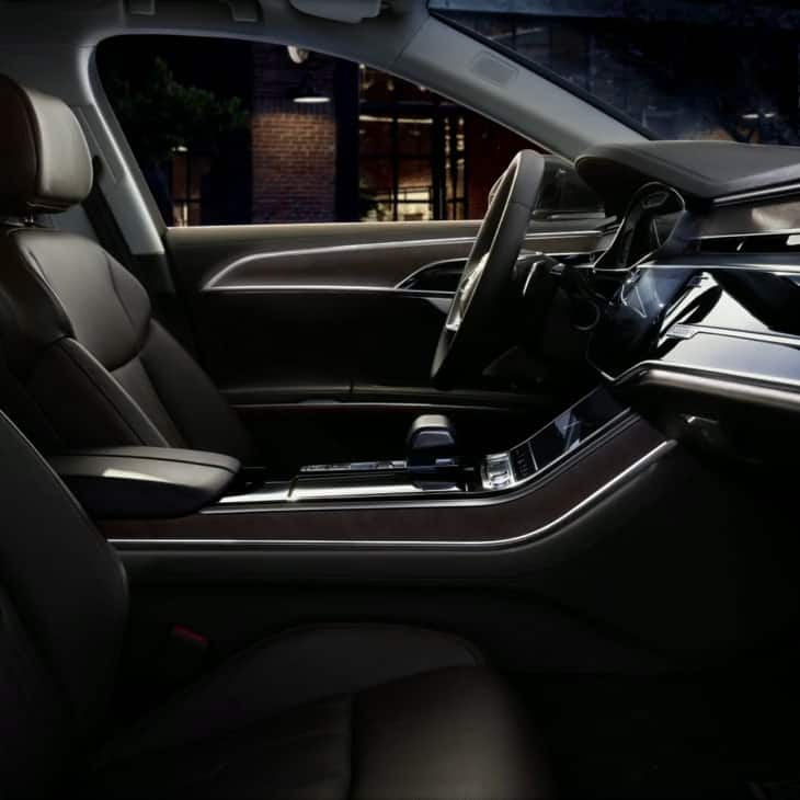 Generous interior lighting in the new Audi A8.